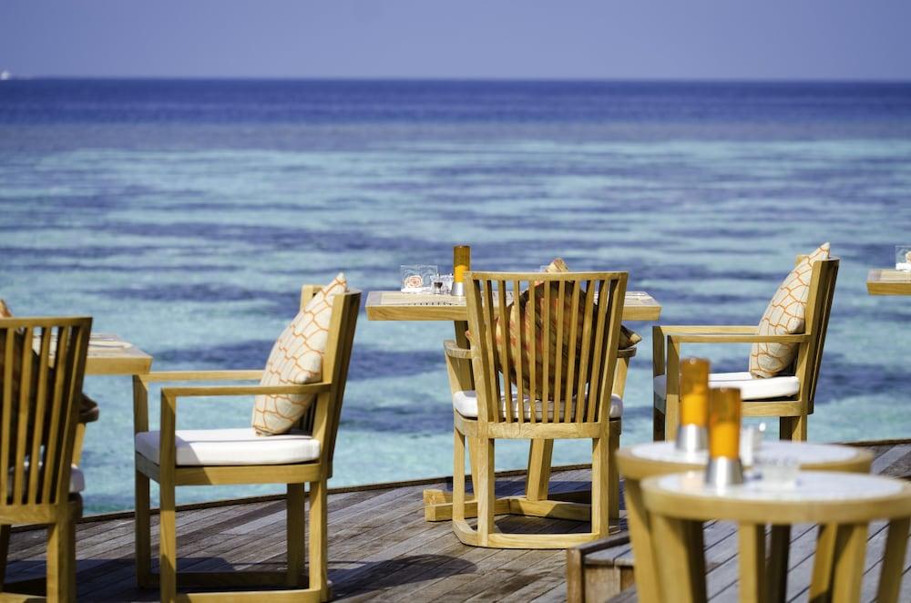 미리히 아일랜드 리조트(Mirihi Island Resort) Hotel Image 58 - Restaurant
