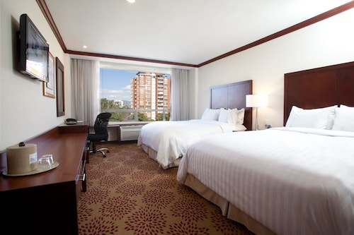 Hotel Biltmore Guatemala, ZONA 10