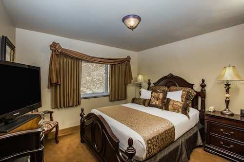 . First Gold Hotel, Suites & Gaming