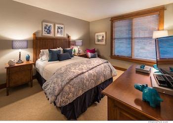 Hotel - Tahoe Mountain Lodging