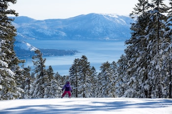Tahoe Mountain Lodging
