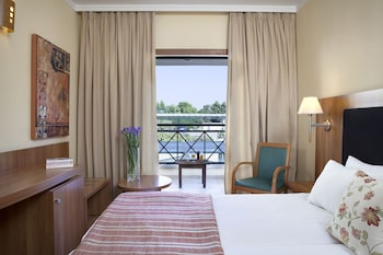 Superior Room, Partial Sea View