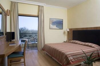 Premium Room, Partial Sea View