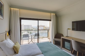 Double Room Pool-View + Sea View