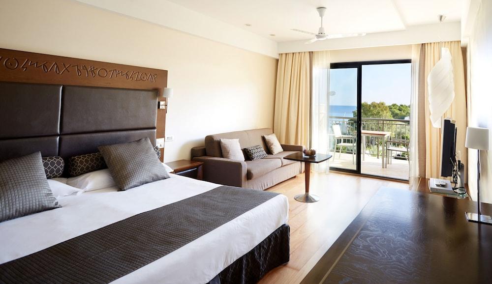 https://i.travelapi.com/hotels/2000000/1400000/1399100/1399041/c08d6678_z.jpg