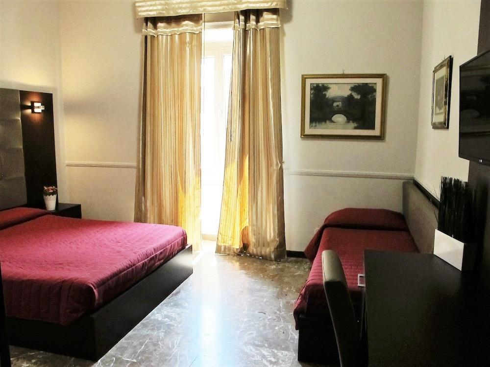 호텔 데스테(Hotel D'Este) Hotel Image 11 - Guestroom