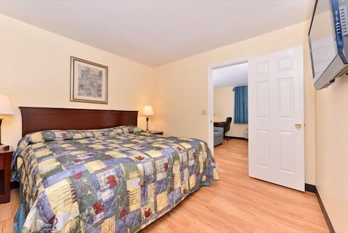 . Tower Inn And Suites Of Guilford-Madison