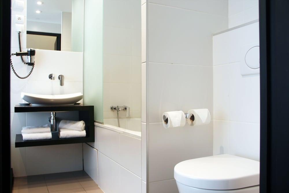 호텔 아스토리아 낭트(Hotel Astoria Nantes) Hotel Image 34 - Bathroom