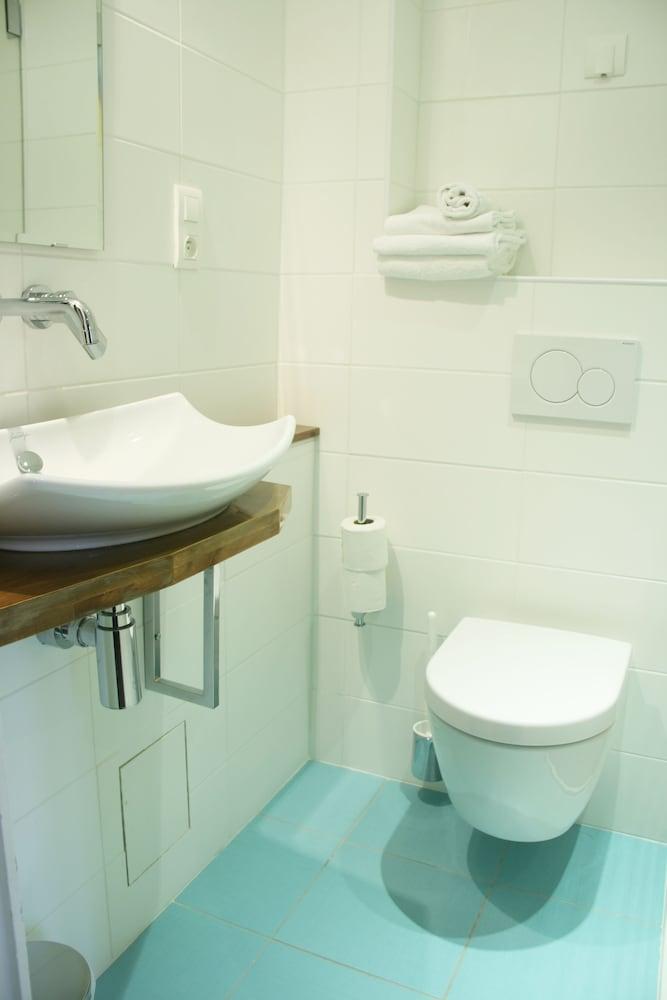 호텔 아스토리아 낭트(Hotel Astoria Nantes) Hotel Image 32 - Bathroom