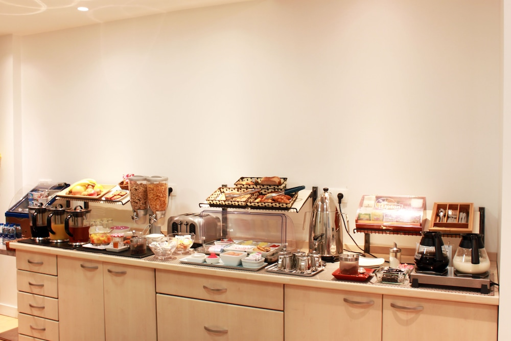 호텔 아스토리아 낭트(Hotel Astoria Nantes) Hotel Image 38 - Buffet