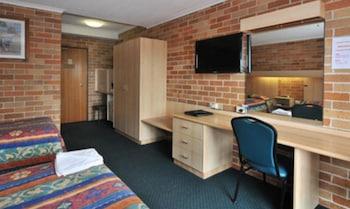 Guestroom at Windsor Terrace Motel in Windsor