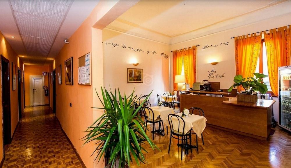 Hotel Leopolda, Featured Image