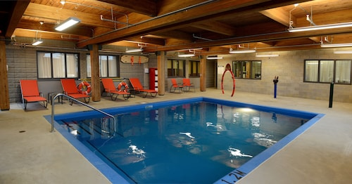 . Hotel & Suites Le Dauphin Quebec