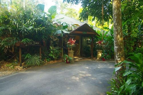 . Heritage Lodge