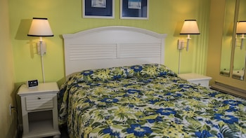 Guestroom at Beach House Golf and Racquet Club in Myrtle Beach