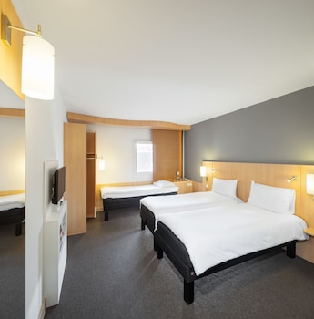 Standard Room, 3 Twin Beds