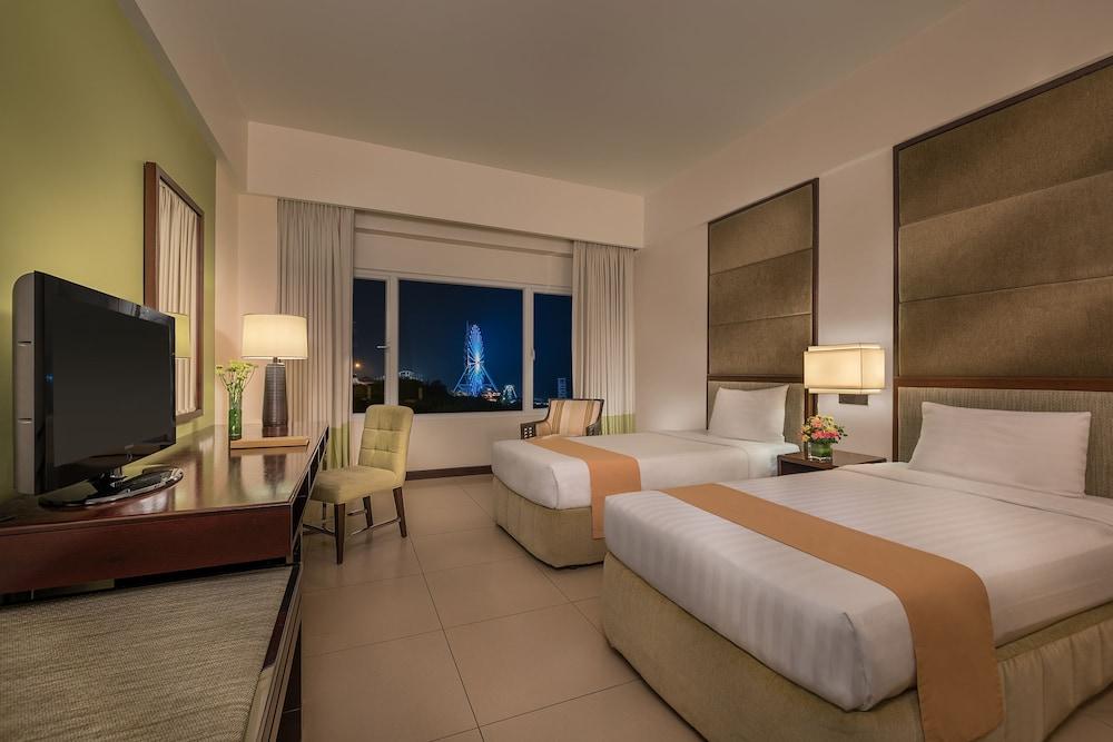 https://i.travelapi.com/hotels/2000000/1410000/1404100/1404044/13846b39_z.jpg