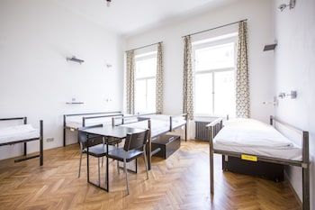 2 beds in 6 bed dorm