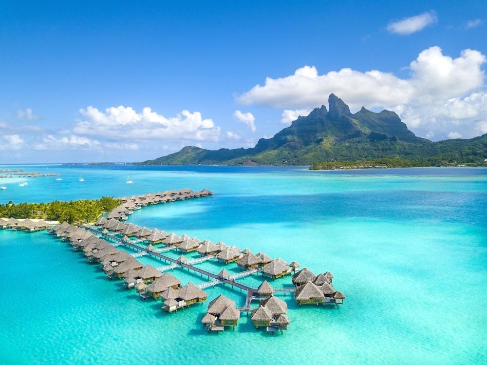https://i.travelapi.com/hotels/2000000/1410000/1405900/1405888/1aed99da_z.jpg