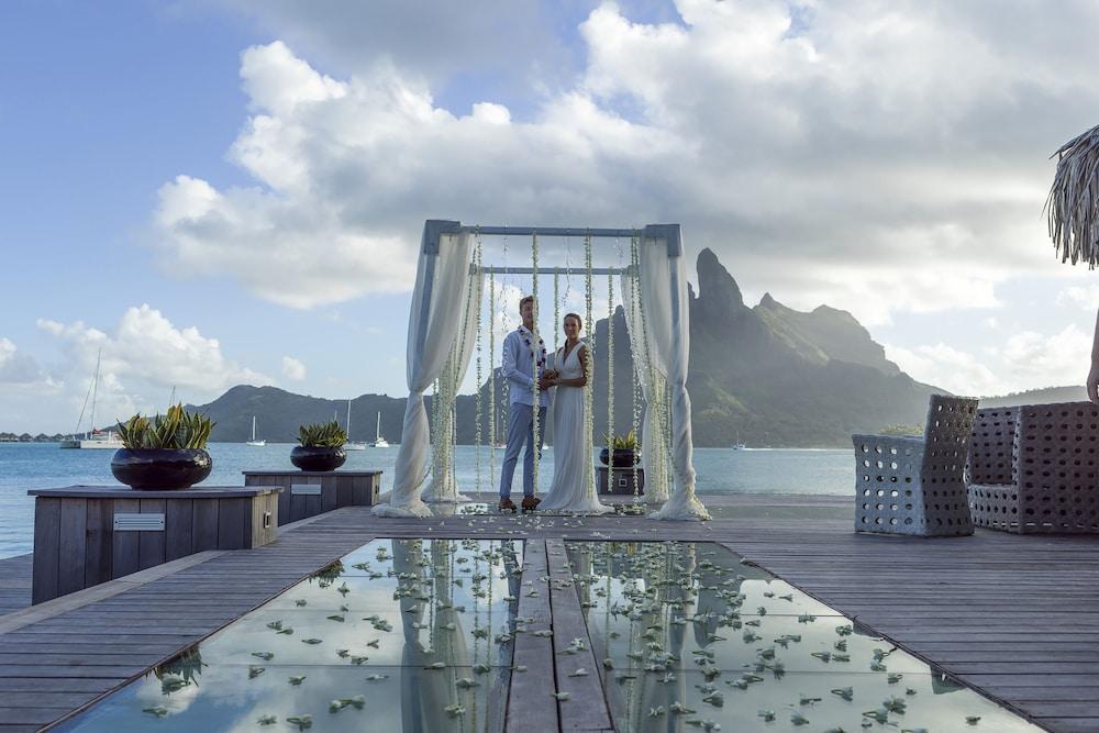 https://i.travelapi.com/hotels/2000000/1410000/1405900/1405888/1b5ae567_z.jpg