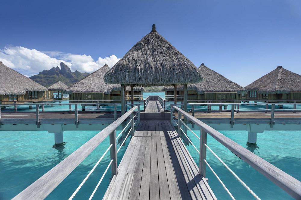 https://i.travelapi.com/hotels/2000000/1410000/1405900/1405888/29a5e364_z.jpg