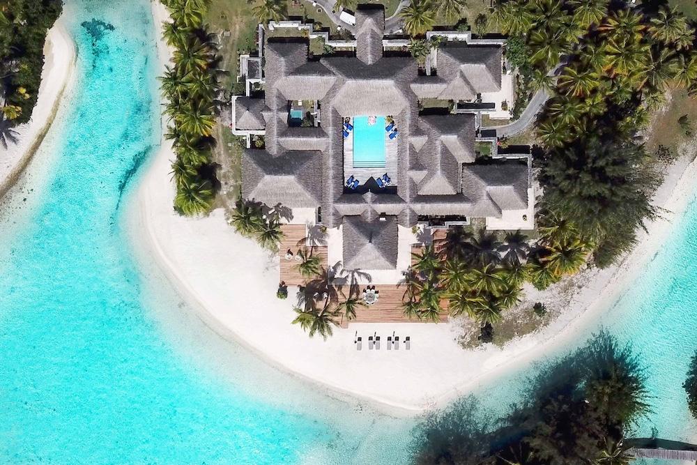 https://i.travelapi.com/hotels/2000000/1410000/1405900/1405888/3ad636de_z.jpg