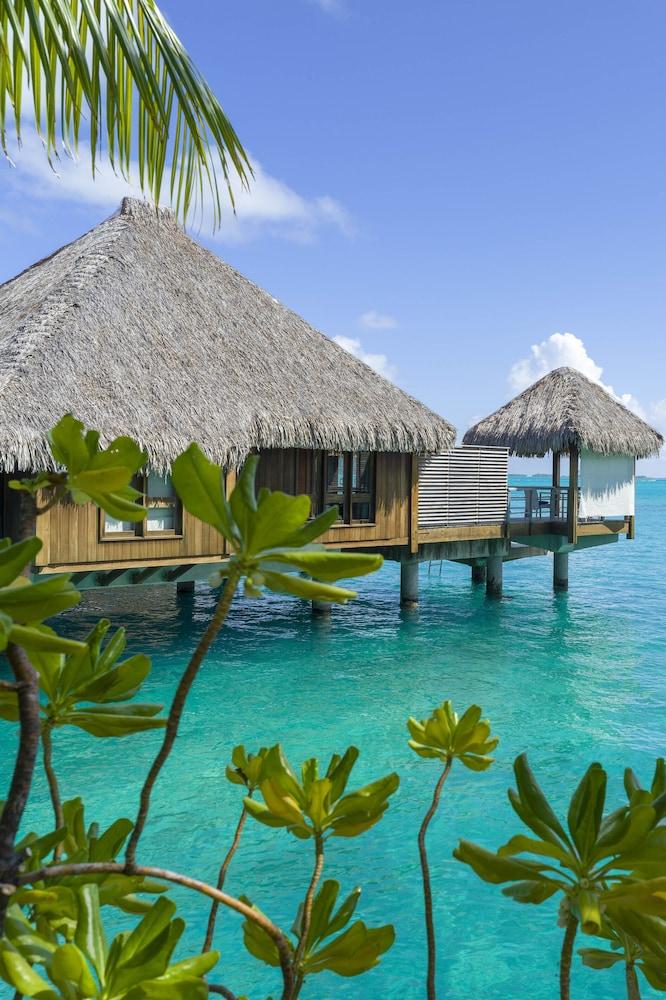 https://i.travelapi.com/hotels/2000000/1410000/1405900/1405888/51862ec7_z.jpg