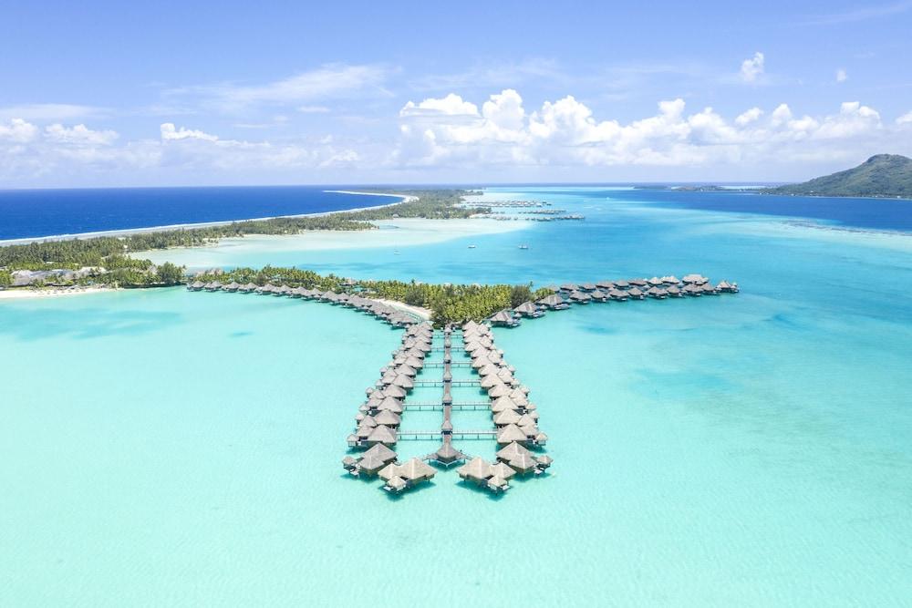 https://i.travelapi.com/hotels/2000000/1410000/1405900/1405888/55609b11_z.jpg