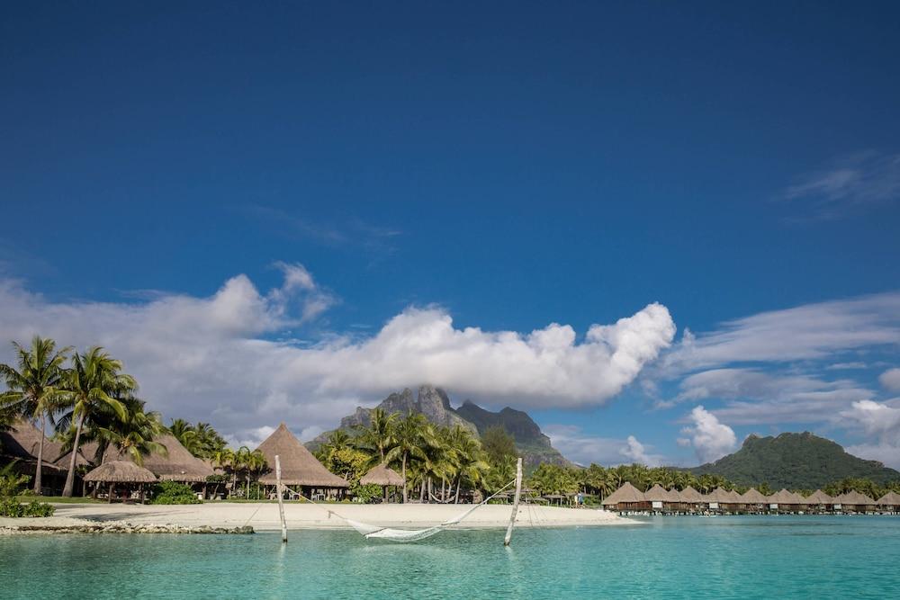 https://i.travelapi.com/hotels/2000000/1410000/1405900/1405888/561484e6_z.jpg