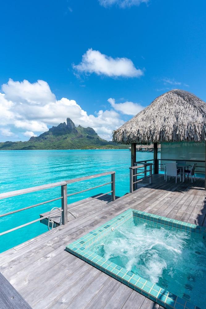 https://i.travelapi.com/hotels/2000000/1410000/1405900/1405888/64b57b11_z.jpg