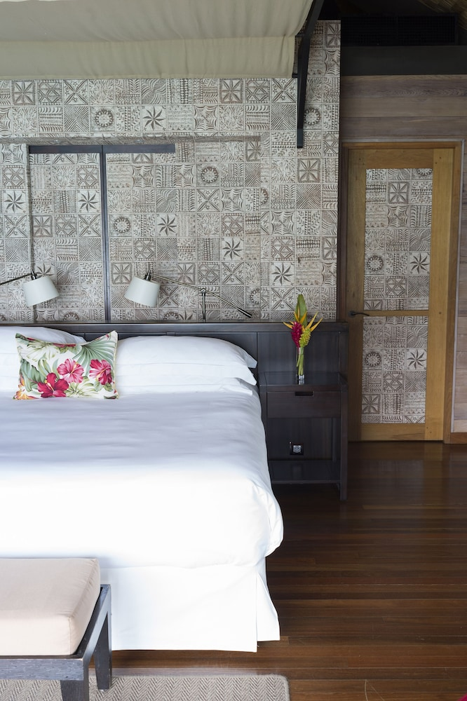https://i.travelapi.com/hotels/2000000/1410000/1405900/1405888/6c08a03c_z.jpg