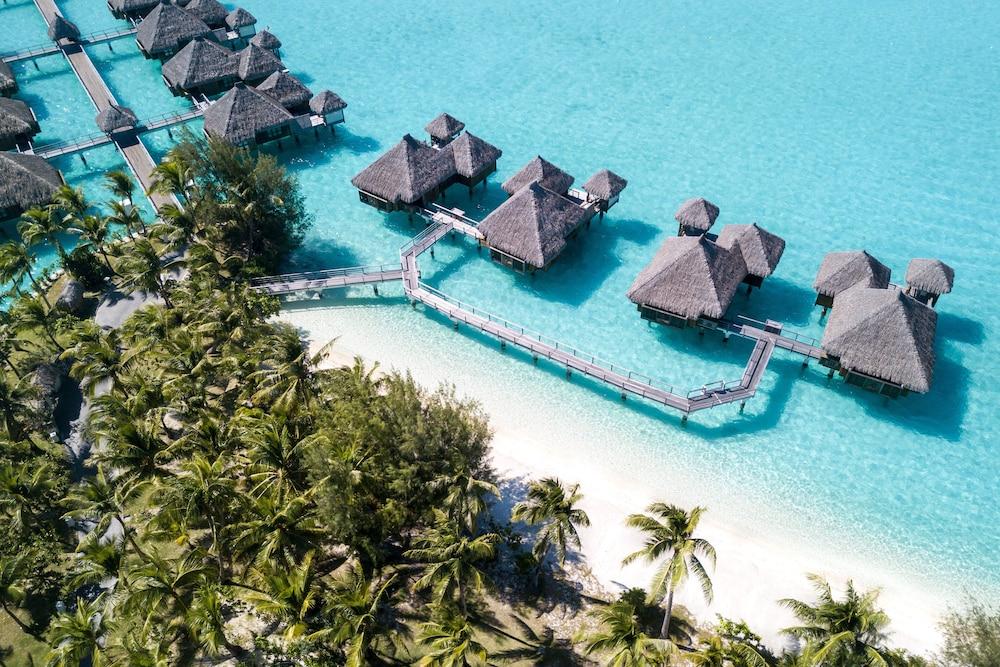 https://i.travelapi.com/hotels/2000000/1410000/1405900/1405888/6e195724_z.jpg