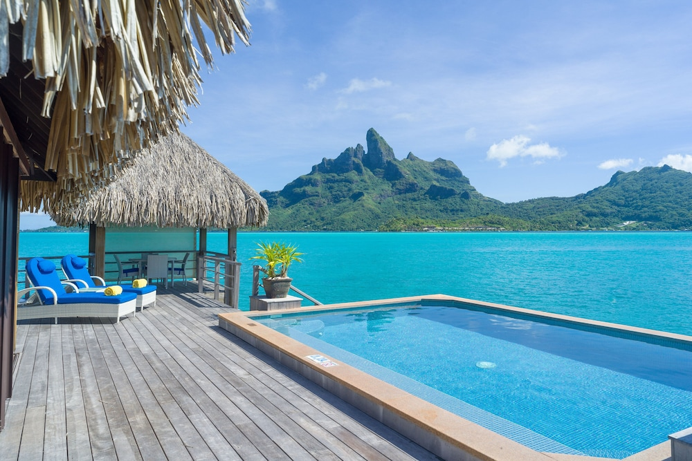 https://i.travelapi.com/hotels/2000000/1410000/1405900/1405888/746e4e66_z.jpg