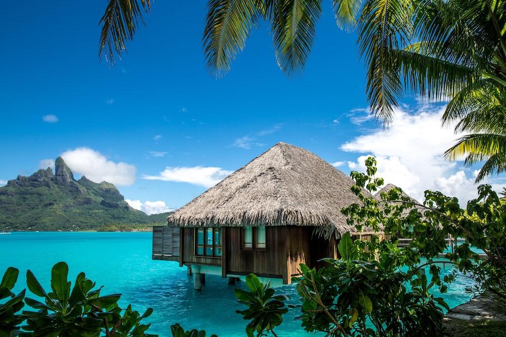 https://i.travelapi.com/hotels/2000000/1410000/1405900/1405888/7bc98be7_z.jpg