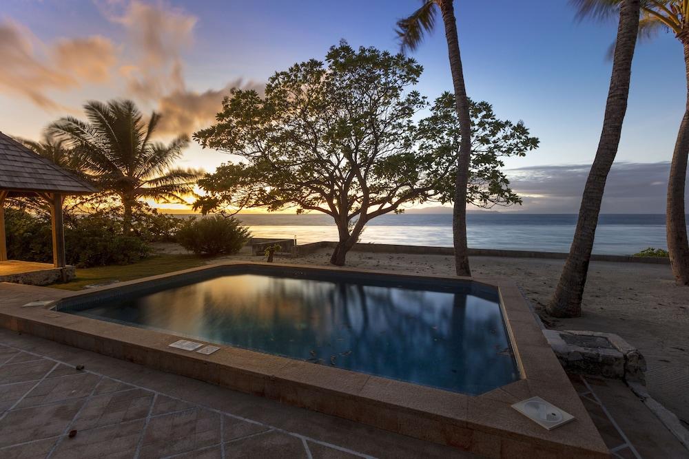https://i.travelapi.com/hotels/2000000/1410000/1405900/1405888/8b0fdf01_z.jpg