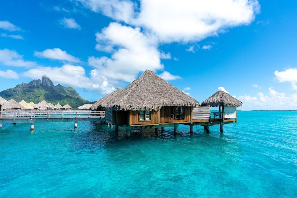 https://i.travelapi.com/hotels/2000000/1410000/1405900/1405888/8e20ba92_z.jpg