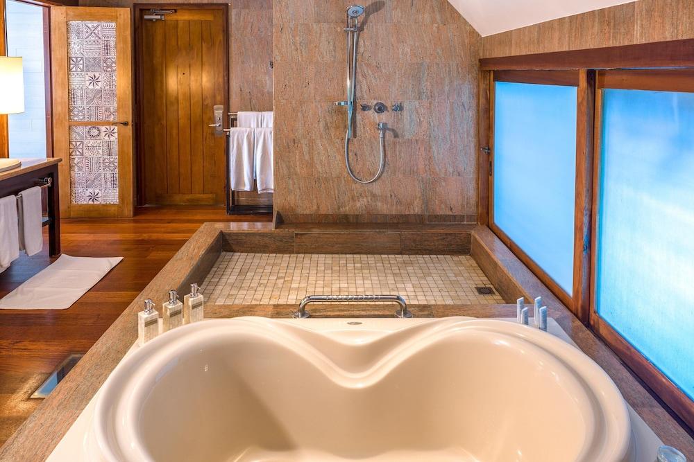 https://i.travelapi.com/hotels/2000000/1410000/1405900/1405888/8e4beb66_z.jpg