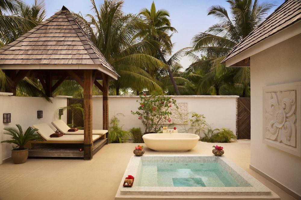 https://i.travelapi.com/hotels/2000000/1410000/1405900/1405888/9266ea58_z.jpg