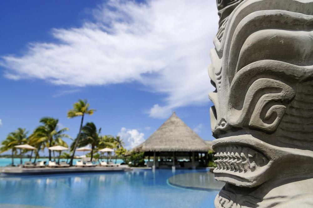 https://i.travelapi.com/hotels/2000000/1410000/1405900/1405888/9da0a1b9_z.jpg