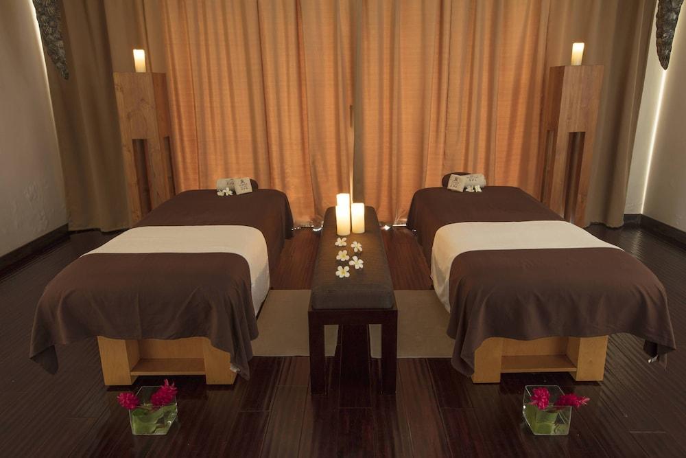 https://i.travelapi.com/hotels/2000000/1410000/1405900/1405888/b0555a5a_z.jpg
