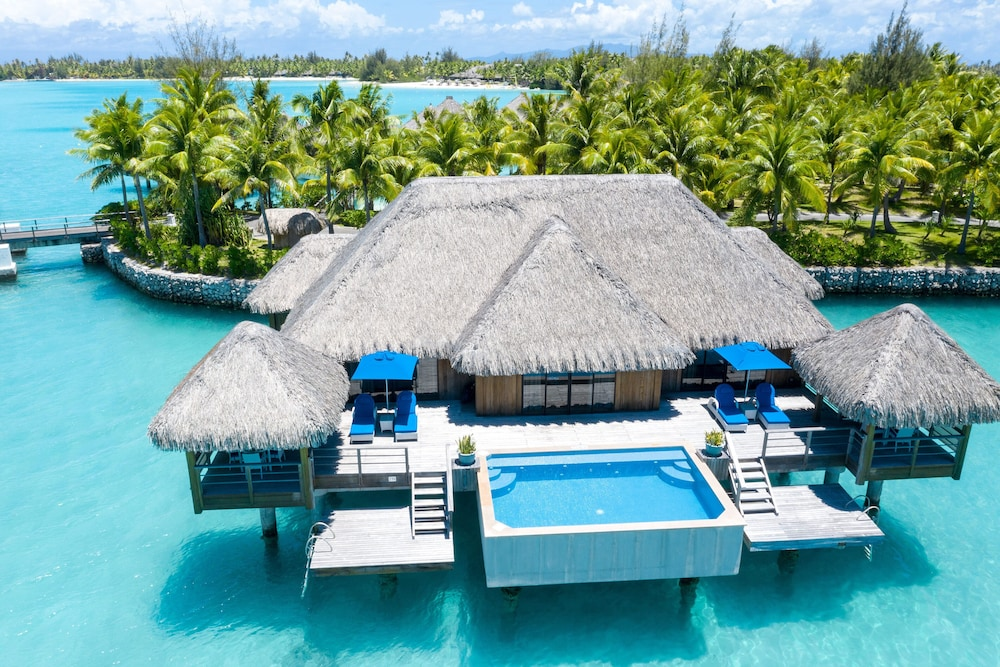 https://i.travelapi.com/hotels/2000000/1410000/1405900/1405888/b2ac5ee8_z.jpg
