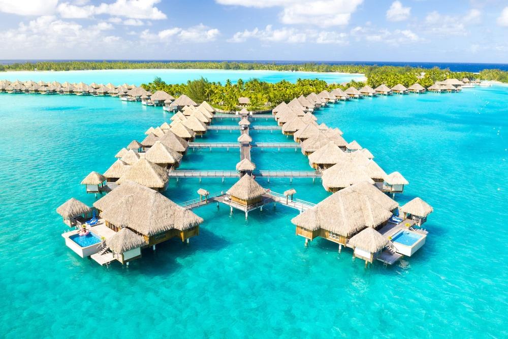 https://i.travelapi.com/hotels/2000000/1410000/1405900/1405888/d1d42c93_z.jpg