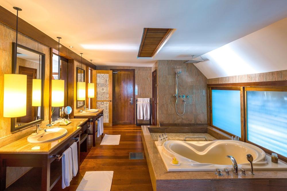 https://i.travelapi.com/hotels/2000000/1410000/1405900/1405888/f6cad7ed_z.jpg