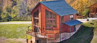 Premier Cabin, 2 Bedrooms, Hot Tub, Valley View (Sleeps up to 8)