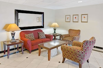 Lobby at Days Inn & Suites by Wyndham Laurel Near Fort Meade in Laurel