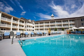 Hotel - The Sandpiper Beach Club