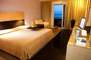 Deluxe Triple Room, Balcony, Sea View
