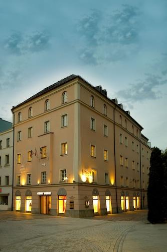 . Centro Hotel Weisser Hase