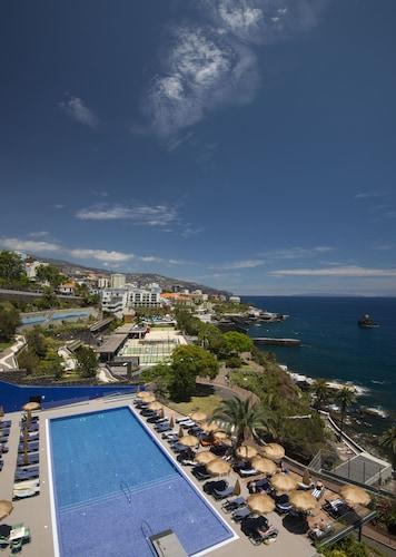 . Hotel Baía Azul