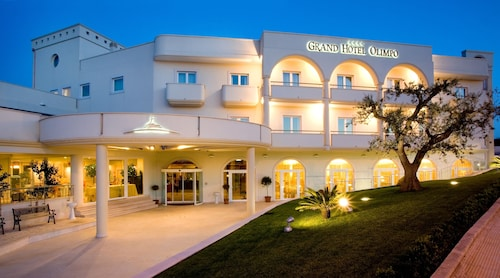 __{offers.Best_flights}__ Grand Hotel Olimpo